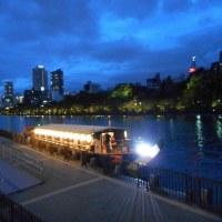 夕闇せまる天満橋の風景