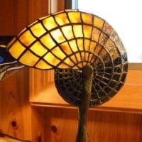 晩秋に似合う 「ステンドグラスの灯り」 & 「薪ストーブ」
