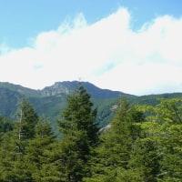 赤岳(2898m)    美しの森駐車場より        山梨県・長野県