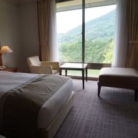 [星野リゾート ロテルド比叡」。一足早い夏休み。琵琶湖を見渡す「山床カフェ」