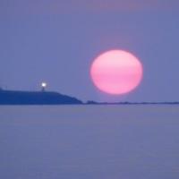 心が吸い込まれそう・・・日本海の夕日