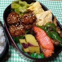 焼き鮭と卵焼きのお弁当♪