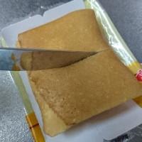 生チョコの四角いクレープ アーモンド入り ファミリーマート