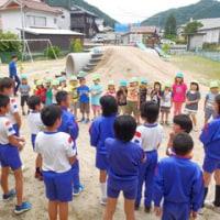全校朝礼は、3年生の発表でした! 5年生が保育所へ行きました!