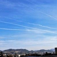 「飛行機雲」