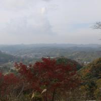 大塚山自然公園(万葉ロードと民話の里)に紅葉が始まる