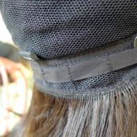 髪の抜け具合に合わせて襟足にあるアジャスターでウィッグのサイズを調整出来ますよ。 長野県 乳癌 抗癌剤治療 医療用ウィッグ・医療用かつら by ヘアーサロン オオネダ