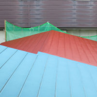 外部塗装はやや終盤となります。