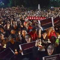 インドネシア  ジャカルタ知事への実刑判決で高まる、イスラム急進主義と批判勢力のせめぎあい