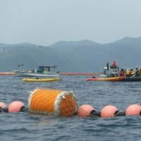 汚濁防止膜設置にむけた長島周辺での潜水調査に抗議。