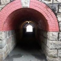 マル秘トンネル?