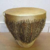 「民族楽器 打楽器 ジャンべ 毛皮 コンガ 太鼓」を買取させていただきました!!