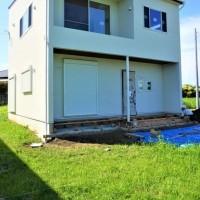 良い家を造って売りたい!プロジェクト 『 2FがLivingの家 』。⌂Made in 外房の家。ウッドデッキ造作工事入りました!