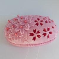 ソープカービングで椿とスズランと桜の透かし彫り
