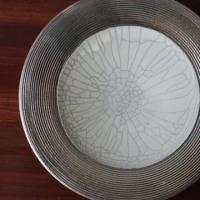紫窯変貫入掛け分け丸皿