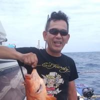 沖縄県乗り合い予約遊漁船真生丸アカジン釣れた。