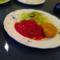 トマトソースハンバーグ カニクリームコロッケ サンク(葛飾区)