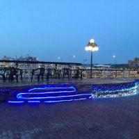 夕暮れのドラゴン広場