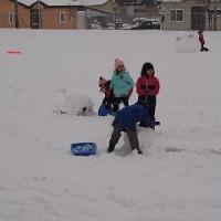 本格的な雪。子どもたちは楽しく外遊び♪
