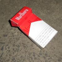 たばこの空箱4個、ペットボトル1本収集 レジ袋でゴミ拾い&パトロール