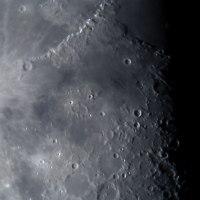 月面中央付近の拡大