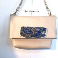 ビーズ刺繍と革のバッグ