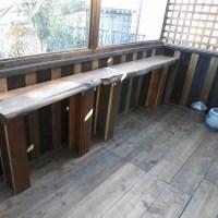 DIY(テラスを部屋らしく窓を付ける その10 机の作成続き)