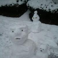 雪でしょ。ダルマでしょ。