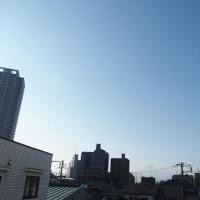 今朝(2月20日)の東京のお天気:晴れ、(2月の作品:祈りの像)