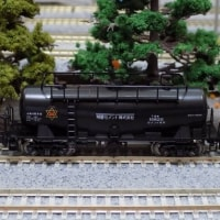 KATOの10-1184 ED19-2+タキ10600セメント輸送列車(明星セメント)セット