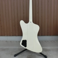 【Gibson】FireBird V Alpine White ※Jhonny Winter 急逝を受けて