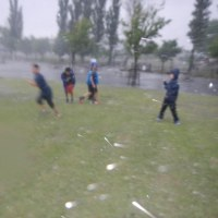 大雨の中で遊んで経験値アップ