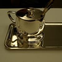 SP盤のレコードと音楽的なケーキとお茶を楽しむ 1947年創業の老舗カフェ 銀座ウエスト 本店