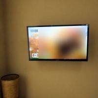 パナソニックTV:TH-32D305を壁掛け設置工事です。