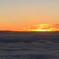 燕山荘からの日の出。