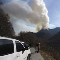 米テネシー州の観光地で山火事、7人死亡 ホテルなど700棟焼失
