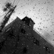 それぞれの雨