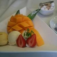 ベニマンのマンゴーパフェ