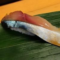 築地場外の立ち寿司屋「おかめ」