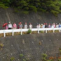 第31回ウエルネスウォーキングは、旧長尾道(水道道)を20人が歩いた。