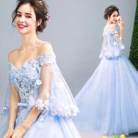 夏の人気1位!清涼感のあるブルーのドレス