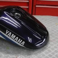 ヤマハFZ400のオールペイントです。