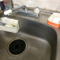 キッチンの水栓を使いやすいシングルレバー式に交換しました。