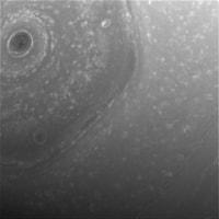 「カッシーニ」、土星の環をかすめるコースの飛行を開始