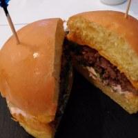 ドバイ・モール(UAEのドバイ)にあるSwitchでのラクダハンバーガーはとてもオススメ!