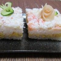 カニと卵で押し寿司