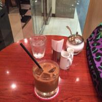 いつもの新宿の喫茶店からこんにちは