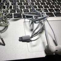 iPhone7plusからイヤホンジャックが消えました、ワイヤレスイヤホンへGO!