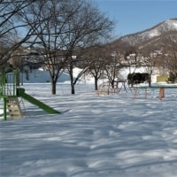 まだまだ雪の中!
