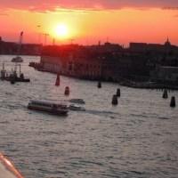 船からのベネチアの街の風景(その3)
